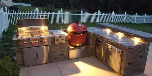Custom outdoor kitchen design and build in West Chester, Pennsylvania.